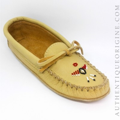 women's moccasin cushioned genuine moose leather with pearl decoration $ 120 + tx and delivery (if needed) 7463NA